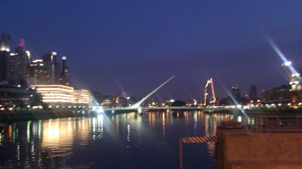 Puente de la mujer Noche